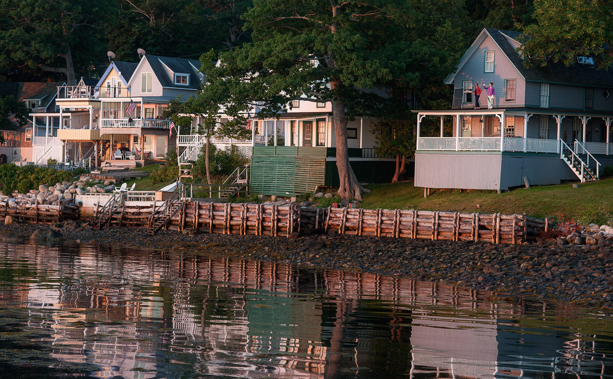 Home bayside cottage rentals for Waterfront cottage