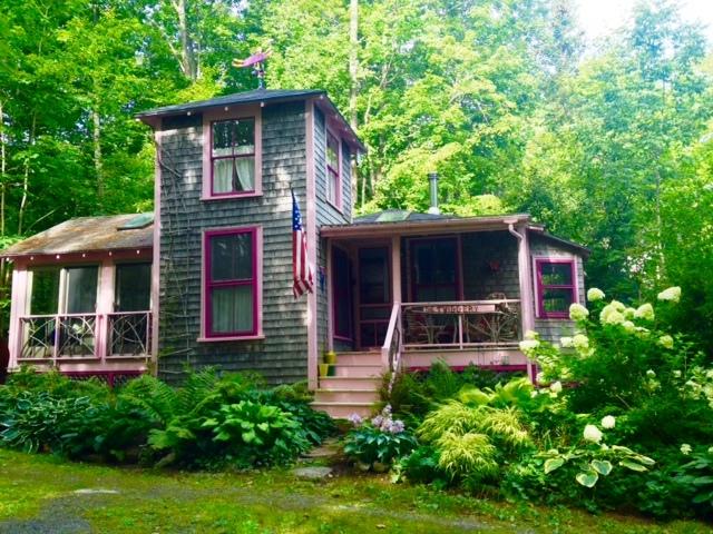 Twiggery Cottage | Maine Vacation Rentals | Village